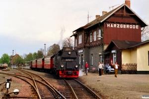 DR 99 7243-1 med Tog 14428. Harzgerode 19.05.1991.