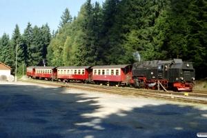 HSB 99 7235-5 med Tog 8940. Schierke 13.09.2002.