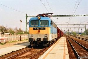 MÁV V43 1181+bilvogne (Skoda Favorit). Tárnok 14.04.1991.