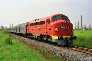 MÁV M61 015 med Tog 9715. Örvényes 15.04.1991.