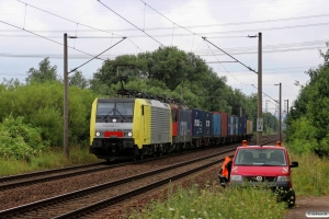 TXL E 189 930+SBBC Re 421 377-3. Hamburg-Moorburg 08.08.2013.
