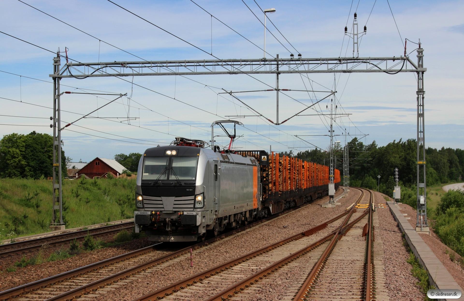 RPOOL 193 921-4 med GT 46925. Skänninge 18.06.2017.