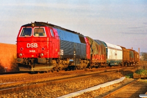 DSB MZ 1444 med G 7979 Gb-Ab. Odense 21.01.1990.