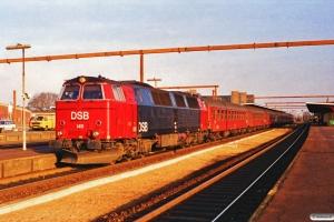 DSB MZ 1411 med IC 143 Kh-Fh. Odense 05.02.1990.