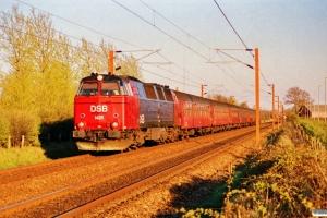 DSB MZ 1425 med IC 163 Kh-Ar. Km 25,1 Ng (Marslev-Odense) 09.04.1990.