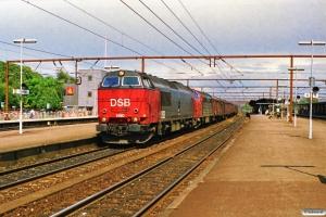 DSB MZ 1460+MX 1013 med G 9559 Kk-Rfø. Roskilde 03.07.1990.