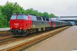 DSB MZ 1402+3 Bcm+Ban+Bcm+Af som M 8530 Fa-Od (materiel til militærtog). Fredericia 29.09.1990.