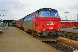 DSB MZ 1438 med M 9547 Nf-Rf. Nykøbing F. 02.10.1990.
