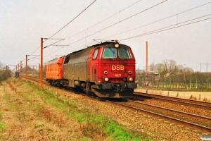 DSB MZ 1427+SJ Qib 80 74 985 0 235-8 som M 6340 Ab-Ro. Km 24,2 Ng (Marslev-Odense) 10.04.1992.