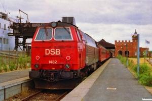 DSB MZ 1432 med Re 2244 Ge-Hgl. Gedser 22.06.1992.