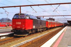DSB MZ 1458+Bn-x+B+BDan+Bk+B som Re 3133 Ngf-Ar. Odense 30.03.1993.