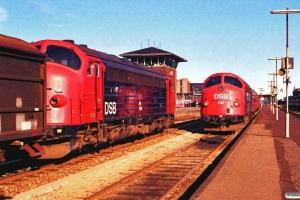 DSB MY 1128 med G 7251 Svg-Od og MY 1115+B 307+B 171 som P 2753 Od-Fa. Odense 16.09.1988.