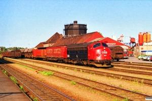 DSB MY 1104 med 7665 Fa-Es. Kolding 05.05.1989.