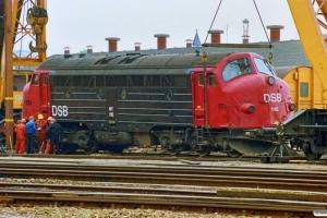 DSB MY 1116 sporsættes. Odense 09.05.1990.