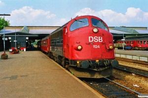 DSB MY 1124+3 B som P 6104 Fa-Ngf. Fredericia 29.07.1990.