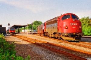 DSB MY 1114 med G 8320 Tdr-Bw. Tønder 25.06.1992.