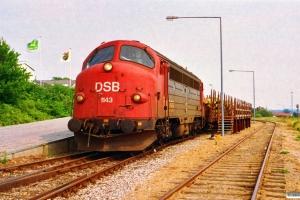 DSB MY 1143 rangerer med G 7370 Ar-Kd. Skanderborg 30.06.1992.