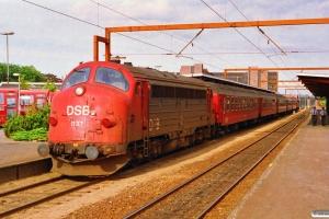 DSB MY 1124+Bf-x+Bf+Bk+B+B+MY 1137 som M 8155 Re-Od. Odense 03.07.1992.