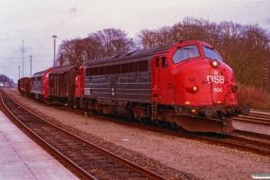 DSB MY 1104+Gs+MX 1040+E+Rs+Gs som Tog 2107 Hj-Hhs. Hjørring 17.04.1993.