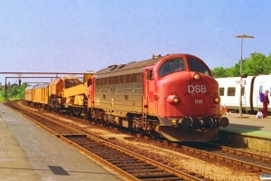 DSB MY 1119+hjælpetog som M 6108 Pa-Fa. Fredericia 16.07.1993.