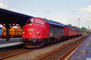 DSB MY 1159+Ba+Ba som Re 3609 Es-Fa. Kolding 23.06.1994.