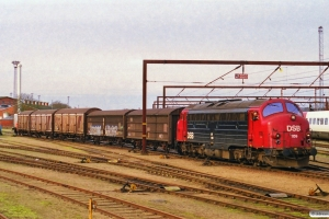 DSB MY 1159 rangerer med G 7230 Fa-Ng. Odense 20.02.2001.
