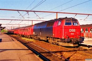 DSB MZ 1445 med RØ 2448 Næ-Ro. Roskilde 22.05.1995.