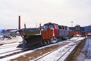 DSB Sneplov 129+MZ 1424+Sneplov 130. Odense 27.01.1996.