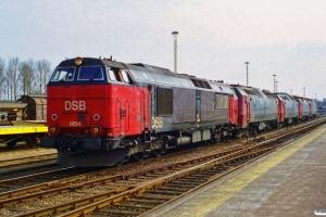 DSB MZ 1454+ME 1533+ME 1528+EA 3017+EA 3007. Nyborg 16.04.1996.