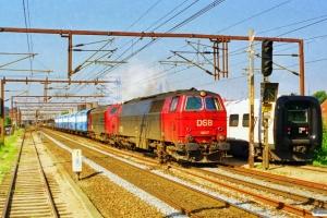 DSB MZ 1427+MY 1152 med G 7216 Od-Ng. Odense 21.08.1997.