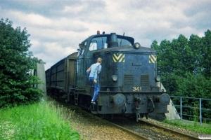 DSB MH 341+godsvogne fra havnen. Odense 30.07.1987.