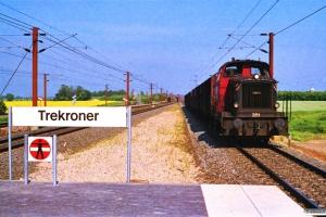 DSB MH 351 med godstog fra Hedehusene. Trekroner 21.06.1988.