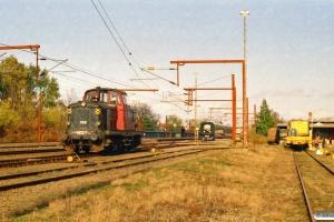 DSB MT 166 og SJ X31K 64. Rødekro 13.11.2005.