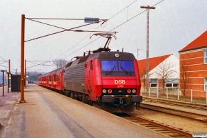 DSB ADns-e 542+Bno 776+831+EA 3018 som RV 2721 Od-Fa. Middelfart 26.03.1997.