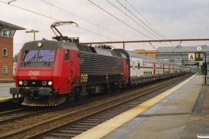 DSB EA 3012+8 SBB vogne+EA 3019 som IC 861 Hgl-Fa. Odense 09.07.2000.