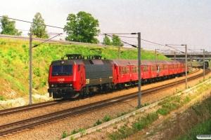 DSB EA 3005 med RØ 2051 Kac-Ro. Ørestad 23.05.2001.
