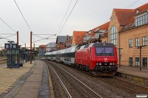 DSB EA 3022 med RØ 4316 Sg-Hgl. Slagelse 15.08.2019.
