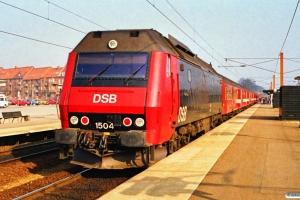 DSB ME 1504 med P 3252 Sg-Kk. Ringsted 17.03.1990.