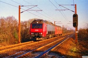 DSB ME 1504+ADns-e 543 som M 8915 Od-Fa. Km 33,6 Ng (Odense-Holmstrup) 26.01.1997.