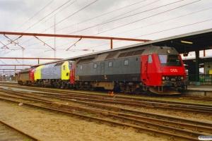 DSB ME 1510+Siemens ME 26-05 (ex. NSB Di6.665)+MY 1159 som M 6324 Arg-Gb. Odense 14.03.2000.