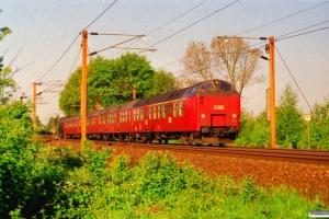 DSB ME 1507+3 Bno+ADns-e som RV 2717 Od-Fa. Km 165,2 Kh (Odense-Holmstrup) 09.05.2000.