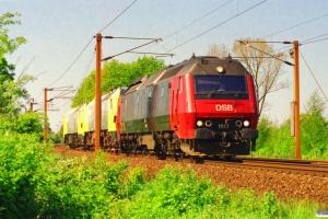 DSB ME 1517+Siemens DE 2650-04 (ex. NSB Di6.664)+ME 26-07 (ex. NSB Di6.667) som M 6324 Arg-Gb. Km 165,2 Kh (Odense-Holmstrup) 09.05.2000.