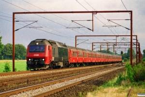 DSB ME 1537 med IR 1653 Kh-Ar. Ejby 24.08.2001.