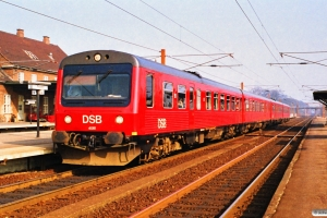 DSB MR/D 81+MR/D 83 som P 5047 Hgl-Nf. Ringsted 17.03.1990.