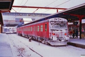 DSB MR/D 28 som RV 2817 Svg-Od. Odense 19.02.1996.
