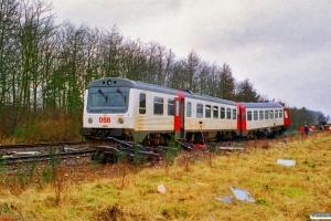 DSB MR 4002+MRD 4202. RV 3705 Fa-Str (4202+4002) kørte ind i holdende RV 3712 Hr-Fa (MR 4043+4243). Kølkær 02.03.2000.