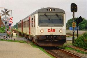 DSB MR/D 68 som RV 5647 Es-Tdr. Ribe 11.08.2002.