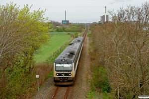 DSB MR/D 97+MR/D 08 som RV 5826 Str-Kd. Km 45,2 Ho (Kølkær-Herning) 04.05.2012.