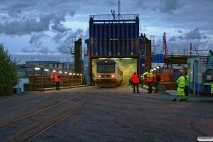 DSB MR/D 16 kører i land fra Stena Scanrail. Göteborg Kville 03.06.2012.