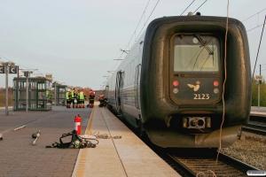 DSB ER 23 fra IC 161 Cph-Lih efterladt i Nyborg efter brand i FR 2223. 10.04.2011.